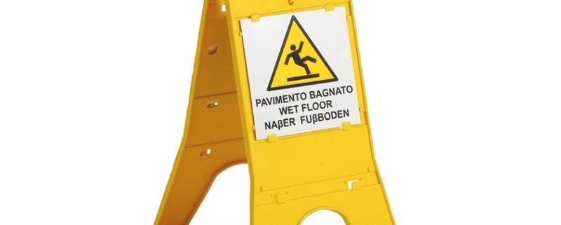 cartello-pavimento-bagnato